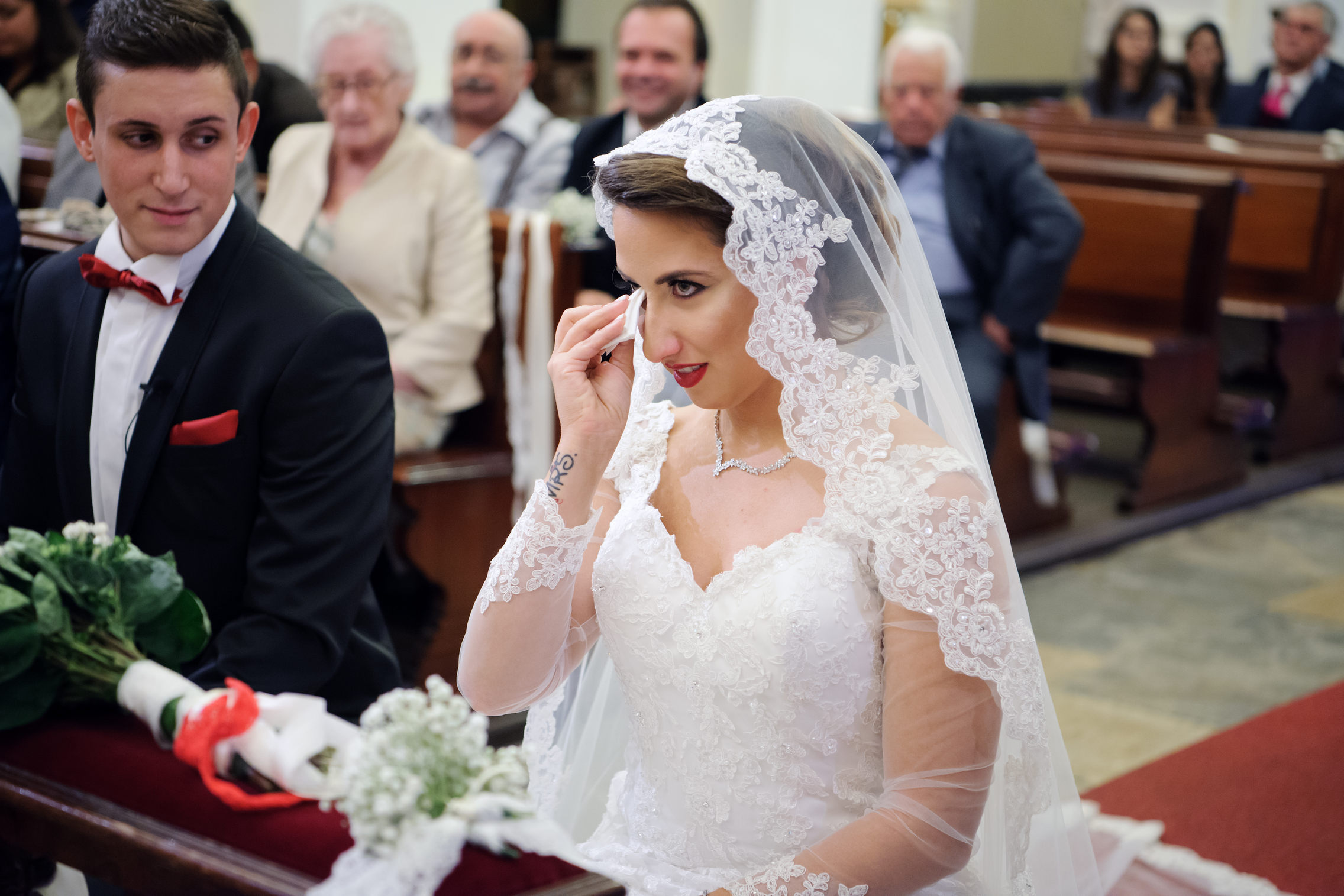 sposa che piange all'altare - crying bride