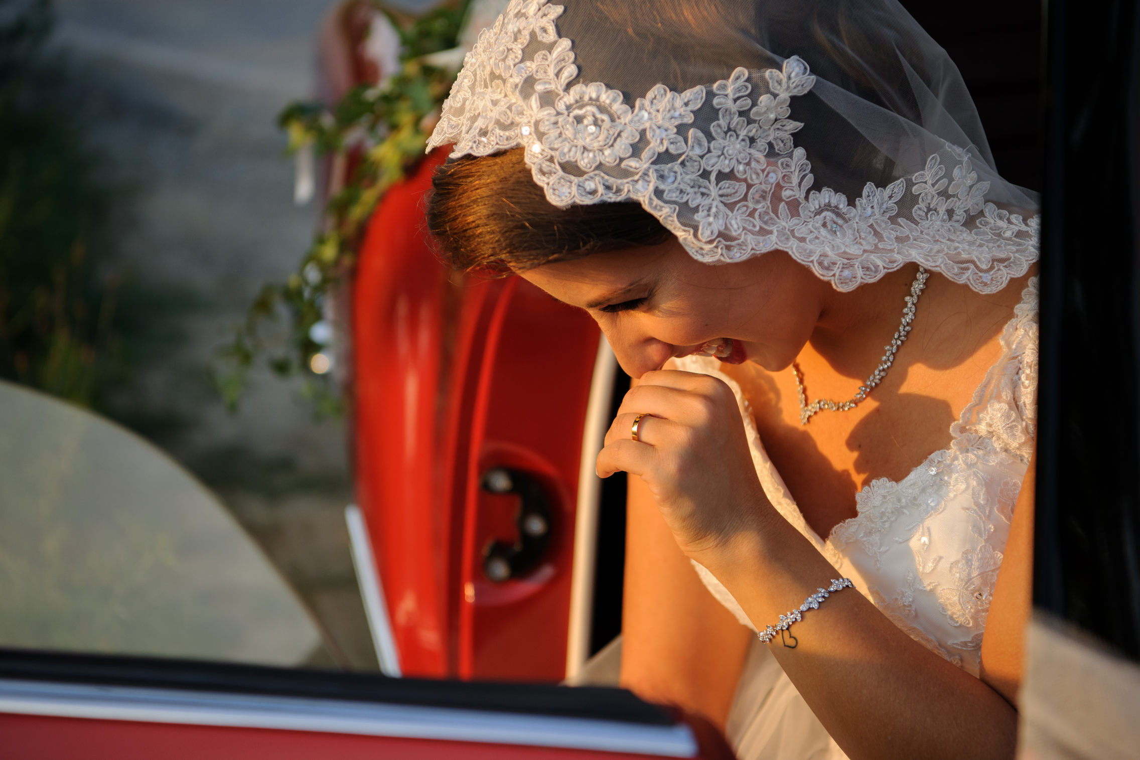 sposa che sorride - bride smiling