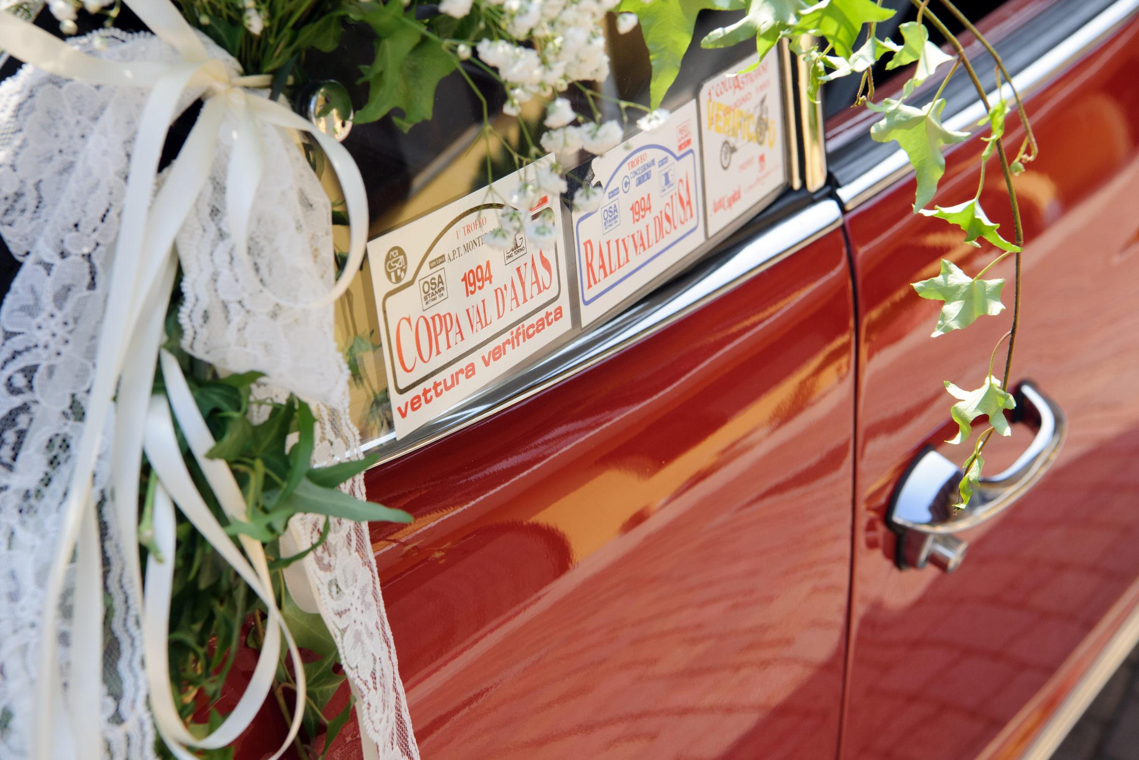 dettaglio macchina sposi