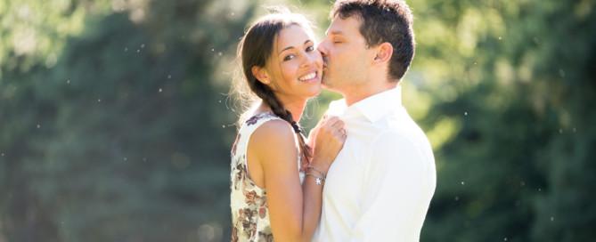foto prenozze Michela e Peter nel parco delle Burcina-engagement shooting